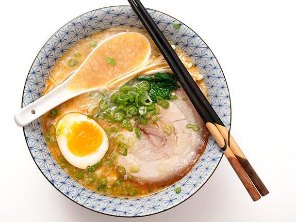 20120227-tonkotsu-ramen-broth-pork-fat-26a