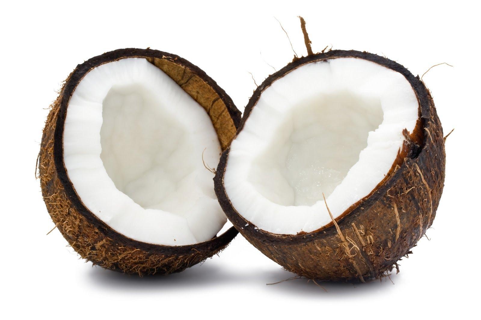Latte e acqua di cocco sono spesso confusi, sebbene siano due prodotti molto diversi