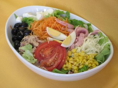 Tutti gli ingredienti che più frequentemente si utilizzano per comporre un'insalatona