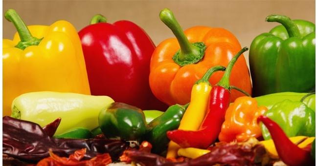 I peperoni e i peperoncini sono molto ricchi di vitamina C