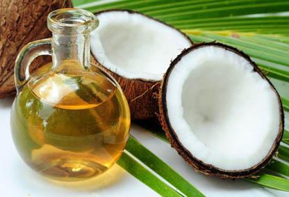 Il grasso di cocco è molto ricco di acidi grassi saturi