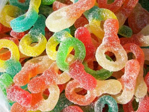 Le caramelle sono tra gli alimenti a maggior contenuto di edulcoranti
