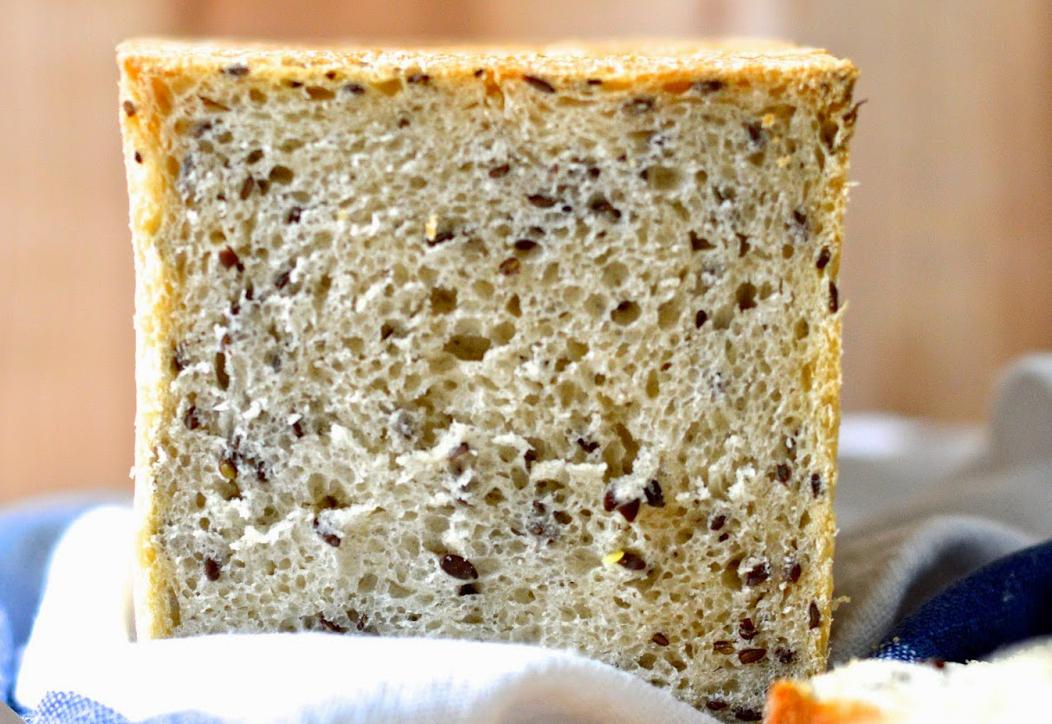 Pane in cassetta con semi di lino