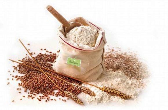 La farina integrale ottenuta con mulino a pietra