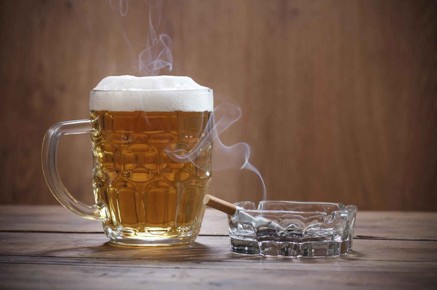 Alcol e fumo, due dei maggiori fattori di rischio per l'ipertensione
