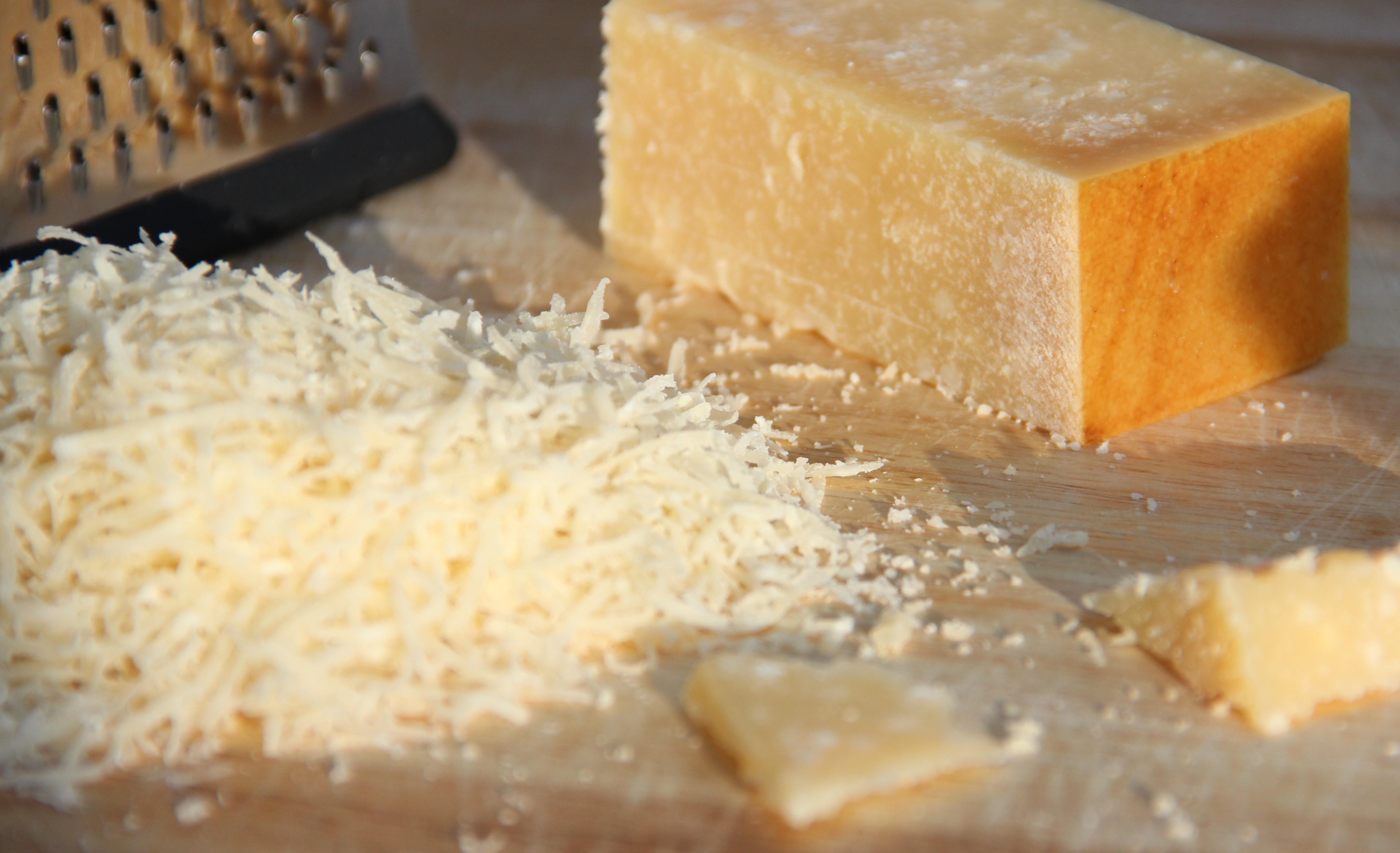 Formaggio, tipo Parmigiano, grattugiato