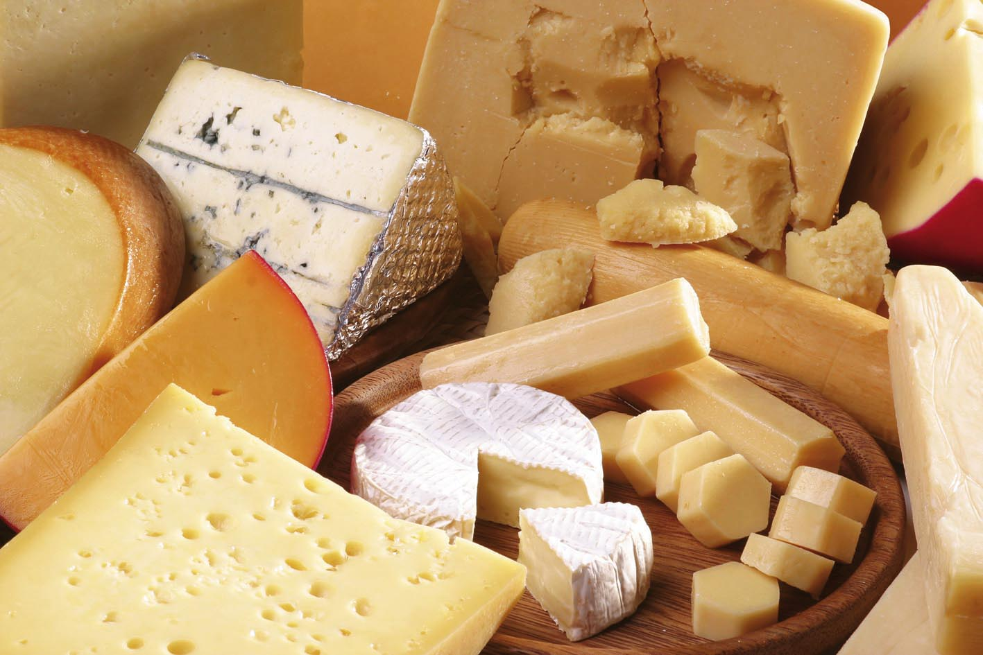 I formaggi a breve stagionatura o da latte crudo sono da evitare in gravidanza