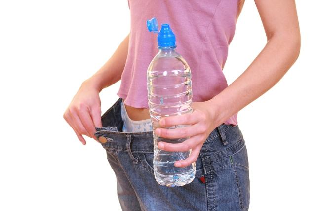Dimagrire bevendo acqua. è possibile?