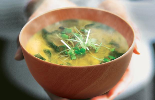 La zuppa di miso è un piatto giapponese molto noto anche nel nostro paese