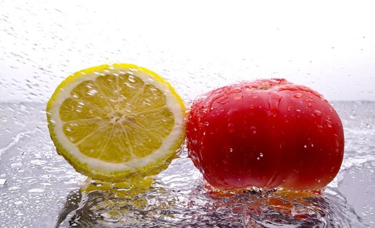 Limone e pomodoro, alimenti acidi