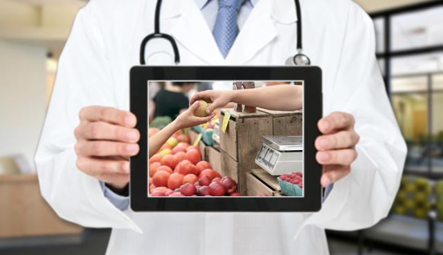 L'esperto risponde: quali sono le sostanze da evitare nel cibo che compriamo?