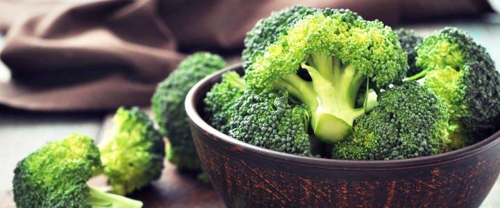 Il consumo di broccoli e crucifere è fortemente raccomandato per la presenza di molecole antiossidanti e antitumorali, ma - come sempre - ad ogni cosa il suo tempo.