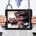 L'esperto risponde: perchè il cioccolato fondente è considerato migliore, anche se ha più grassi di quello al latte?