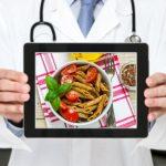 L'esperto risponde: è vero che senza carboidrati a cena si dorme meglio?