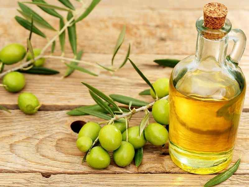 L'olio di sansa di oliva non condivide le stesse nobili proprietà dell'extravergine, ma salvaguardia dagli sprechi e può trovare impiego in alcune preparazioni culinarie al posto di grassi più critici.