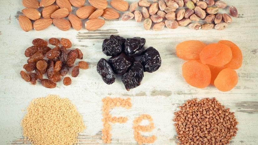 Il ferro non eme dei vegetali è più difficile da assorbire; un'alimentazione varia ed il rispetto di pratiche che agevolano la sua disponibilità, però, possono scongiurare una sua carenza anche nelle diete prive di prodotti animali