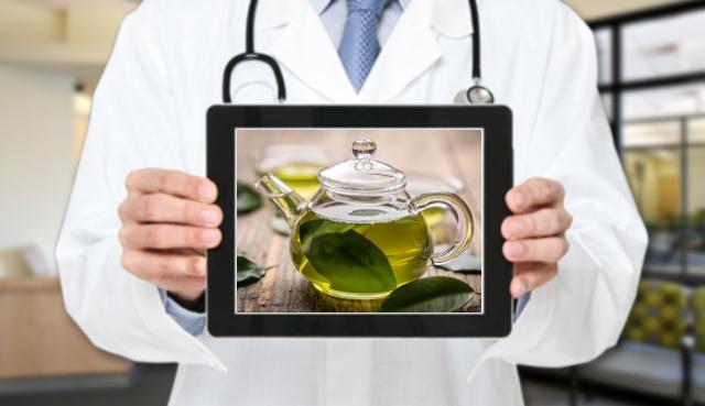 L'esperto risponde: il consumo di tè verde ha controindicazioni?