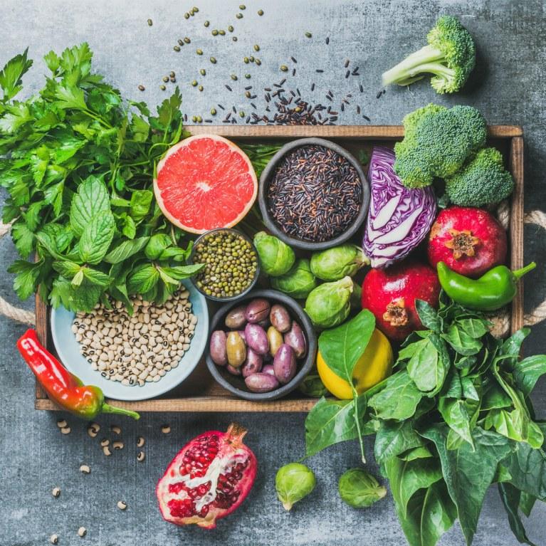 Chi lo dice che una dieta equilibrata debba essere monotona e triste? Cucinare con fantasia e creatività una grande varietà di ortaggi, legumi e cereali rende l'alimentazione non solo ricca di salute, ma anche di gusto!