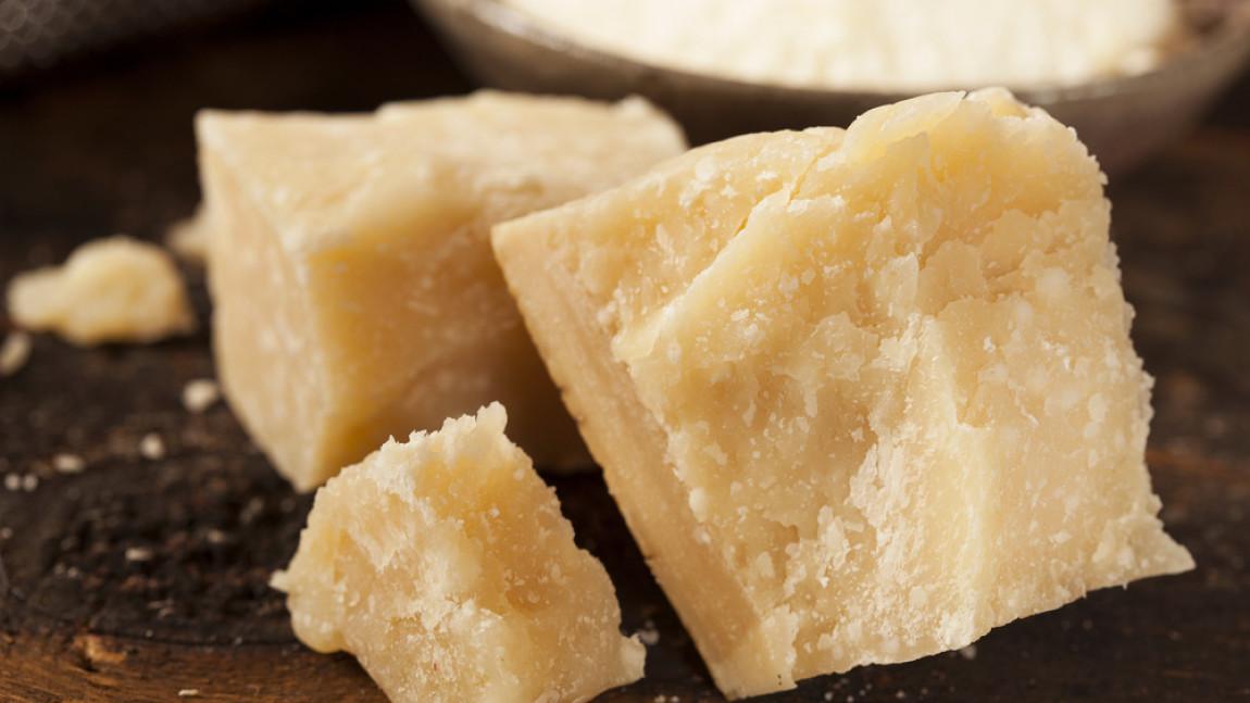 Il Parmigiano è uno dei formaggi italiani più amati (e copiati!) nel mondo: la presenza di acido glutammico concorre al suo gusto estremamente accattivante.