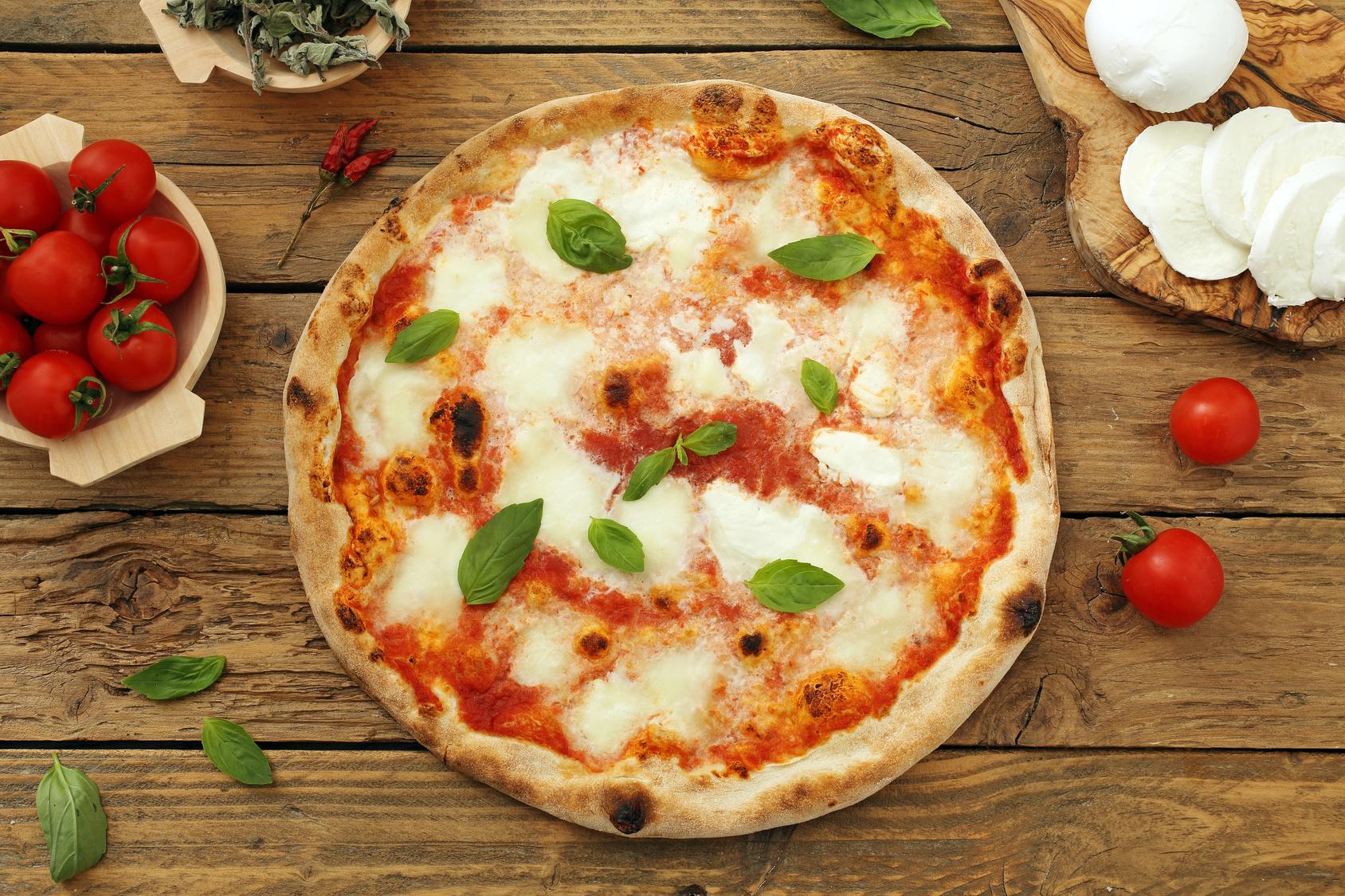 A dicembre 2017 la pizza napoletana è stata consacrata patrimonio Unesco grazie ad una raccolta di firme in tutto il mondo.