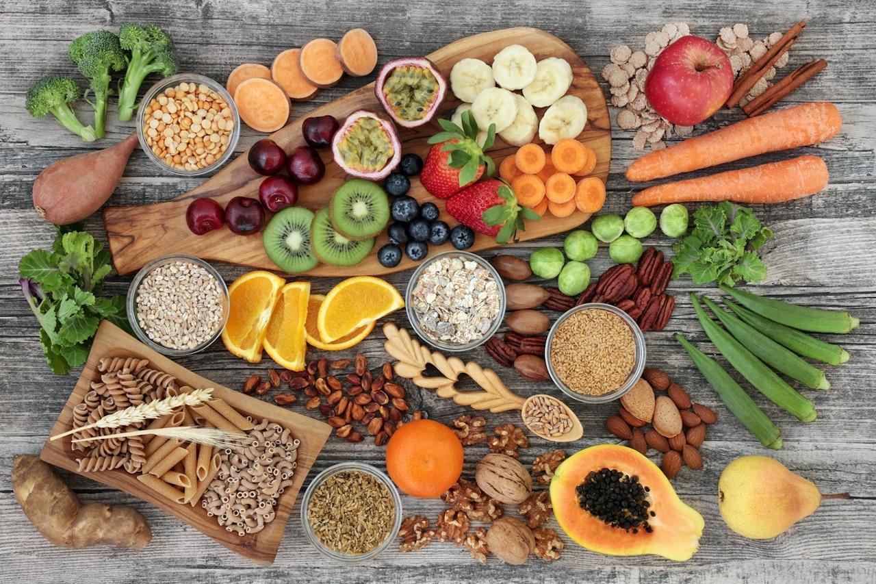 La dieta occidentale, povera di fibra, può mettere a repentaglio la salute del microbiota.