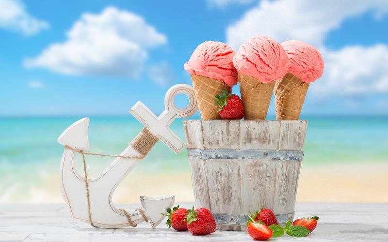Un gelato a base di frutta rappresenta uno spuntino vacanziero davvero gustoso: mette di buon umore e fornisce anche nutrienti utili (lo zucchero in eccesso lo smaltiamo con una bella passeggiata!)