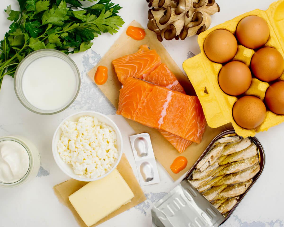 Il 70% degli italiani ha un livello di vitamina D nel sangue troppo basso: è importante conoscere gli alimenti che ne sono più ricchi, ma soprattutto esporsi al sole e consultare il proprio medico di fiducia per ogni dubbio.