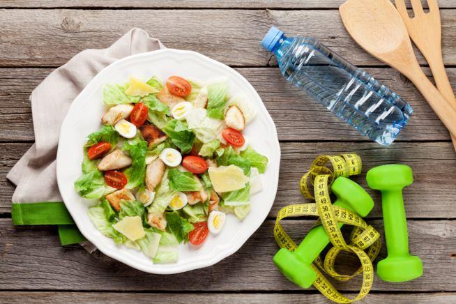 La massa muscolare necessita di un adeguato impegno fisico per accrescersi e di una buona nutrizione per mantenersi.