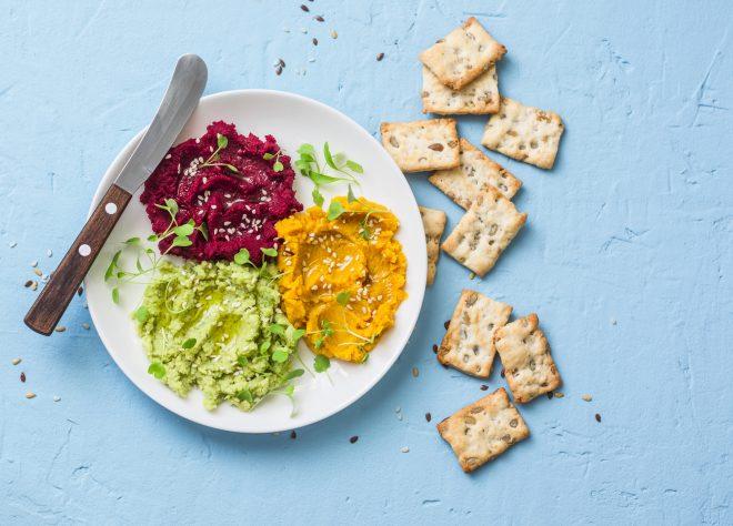 Per rispondere ai requisiti di salute e completezza, la dieta vegana deve essere pianificata in modo corretto: ogni menù giornaliero dovrebbe includere tutti i nutrienti indispensabili all'organismo.