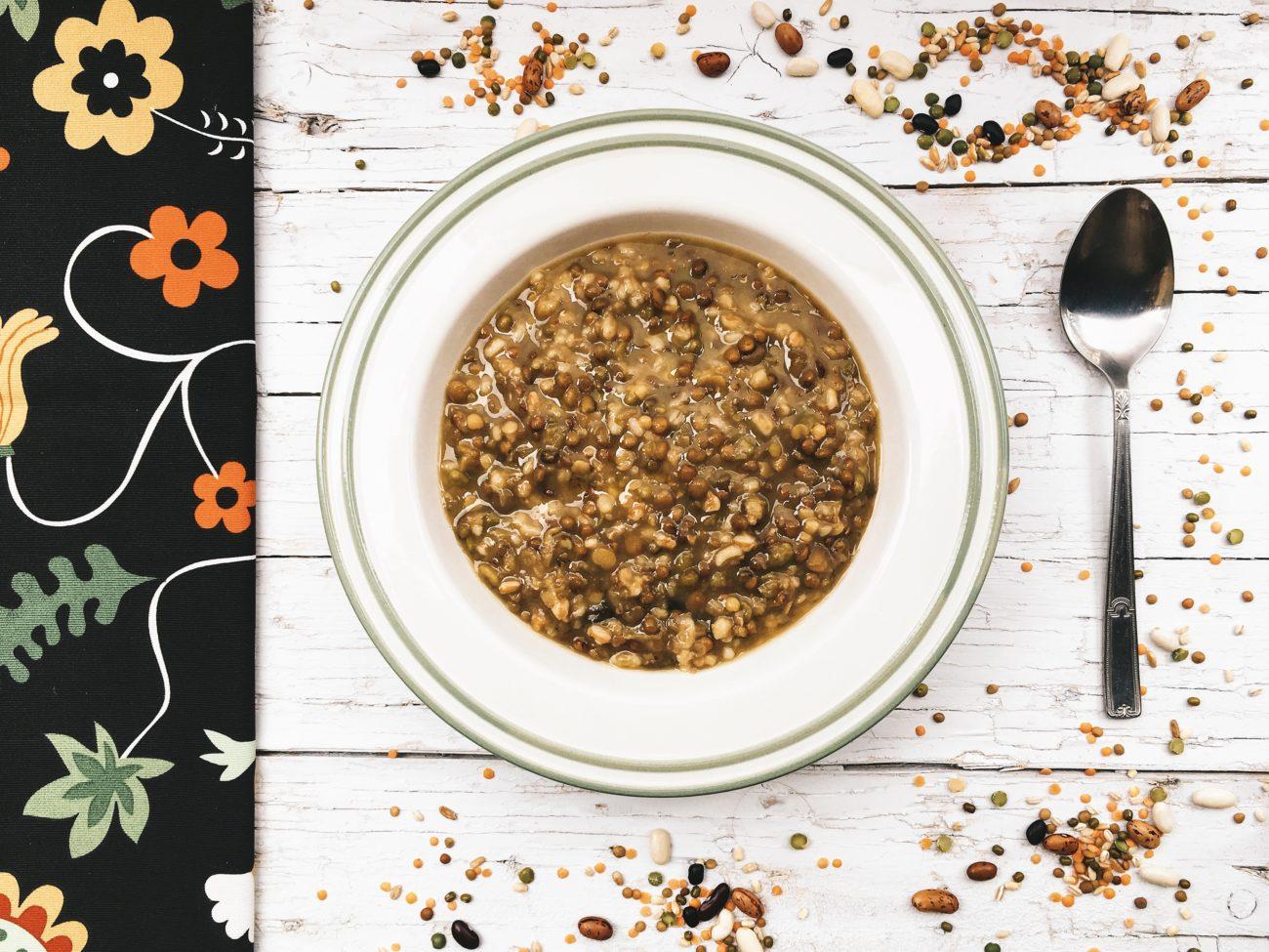 Cerali e legumi, abbinati all'interno dello stesso pasto, offrono uno spettro aminoacidico completo: è esattamente quello che ci vuole per la dieta vegana!