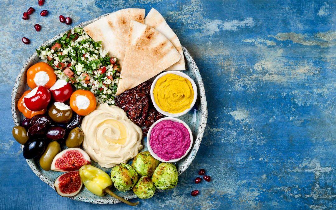 Una dieta sana dovrebbe includere tutte le categorie alimentari nelle giuste proporzioni.